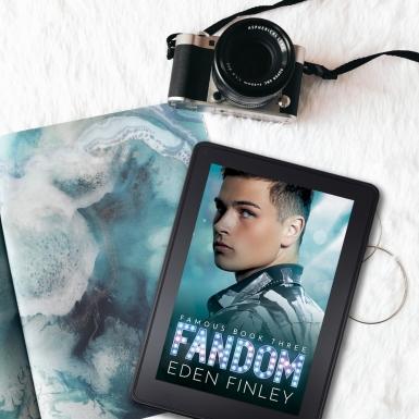 Fandom flatlay5