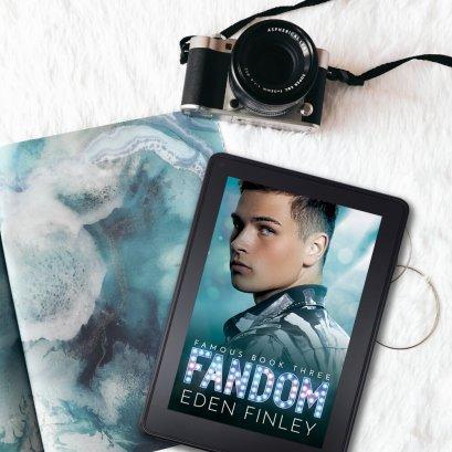 Fandom+flatlay5